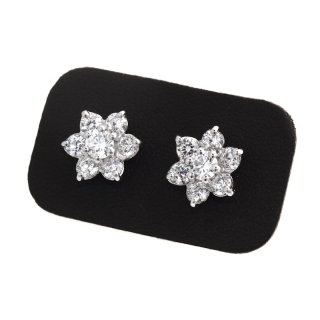 1,56 Ct Natural Diamonds Earrings 18Kt. Gold